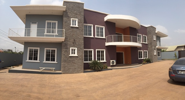Three Bedroom Apartment to Let – Spintex